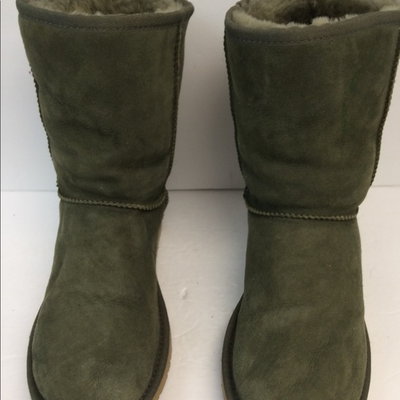 7d432af25db Forest Size Poshmark Ugg Green Shoes S 8 pgwqgS5Wx